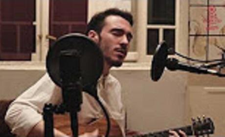 MIRÁ EL VIDEO: Alex Ferreira – «Me la saludan» en Living Sessions – Red Moskito Radio