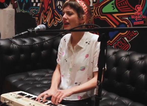 MIRÁ EL VIDEO: Lola Linares – «Corazón» en Red Moskito Radio