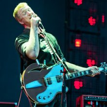 "MIRÁ EL VIDEO ""Queens Of The Stone Age"" – ""3's & 7's""  del álbum ""Era Vulgaris"" (2007)"