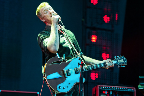 MIRÁ EL VIDEO «Queens of the Stone Age» – «The Evil Has Landed» del álbum «Villains» (2017)