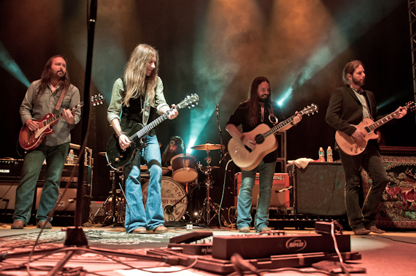 MIRÁ EL VIDEO Blackberry Smoke – «Shakin' Hands With The Holy Ghost» del álbum » Whippoorwill» (2012)