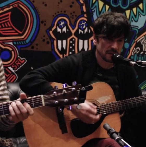 MIRÁ EL VIDEO: Flores en Versalles – «Algunas Canciones» en Red Moskito Radio