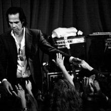 MIRÁ EL VIDEO «Nick Cave & The Bad Seeds» – «Red Right Hand» del álbum «Let Love In» (1994)