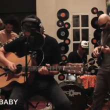 MIRÁ EL VIDEO: Free Anguila – «Cocaine Baby» en Living Sessions Red Moskito Radio