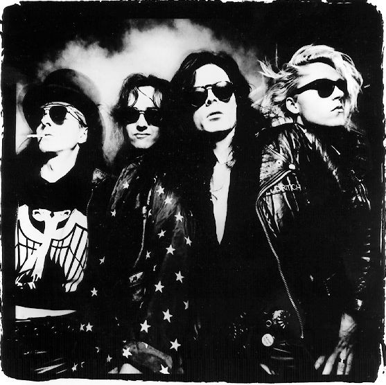 MIRÁ EL VIDEO «The Sisters of Mercy » – «Lucretia My Reflection» del álbum «Floodland» (1987)